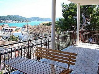 Lovely Two-Bedroom Apartment Lota in Tisno A (4+2 Persons) DS1308