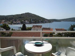 Two-Bedroom Apartment Papaya in Tisno A (4+2 Persons)DS1308