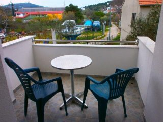 1083 Sara Three-Bedroom Apartment near the festival site in Tisno (6+1 Persons)
