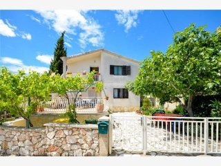 Apartment in Tisno (2+2Persons)