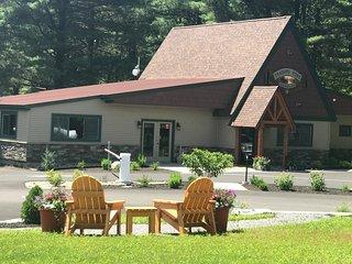 2Bdrm Cottage on RV Resort in Adirondack Region!