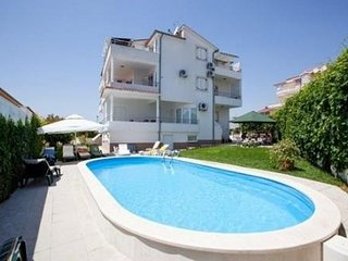 Exsclusive Studio apartment Bella with pool and sea view for 2+1 persons A1