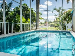 "Love The Beach ""Large Family Pool Home Across The Street From Bonita Beach !"