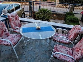Apartments Blue House for 4 persons Biograd
