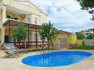 Apartment Green with pool for 3 person , Tribunj