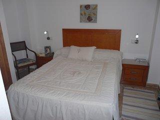 Piso 2 dormitorios 2-6 pax- Piscina , 50 metros playa