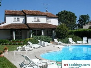 Stone house Nina Porec mit pool  for 8 persons