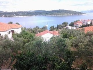 Apartments 100 Steps to the sea on the Island  Solta - Necujam for 4 persons
