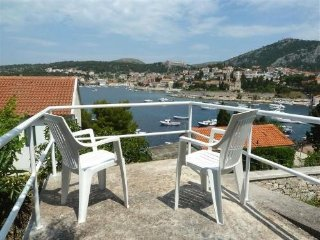 Holiday home CHERRY  Hvar for 4 persons + 1 aditional bed 25 m from beach