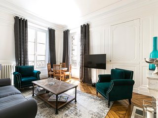 Elegant 2bdr apt in the heart of Saint Germain area!
