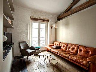 Elegant loft style in Marais area!