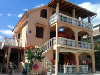 Apartments Mir 4 for 4 persons  Bibinje