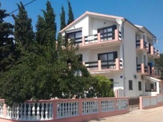 Apartment Dub for 7 persons Zadar  Diklo