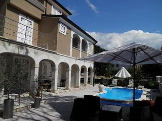 Apartments No 01 with pool in Funtana for 2+1 persons