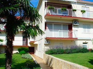 Studio apartments Milin4 for 2 persons, beach 50 m Zadar Diklo