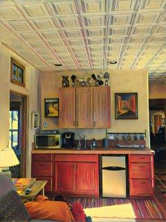 Studio/Apartment area with microwave/coffeemaker/fridge