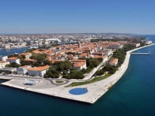 Apartment Marko for 4 persons downtown and beach 100 m Zadar