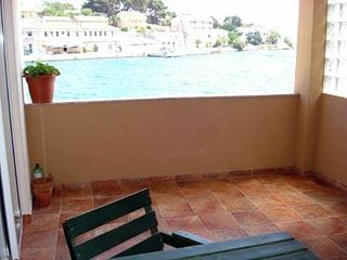 Apartment Branka, 5m from the beach for 5 persons