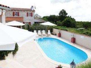 DS Complex Villa Sun mit pool Istra Kanfanar Villa Valentina  for 5 persons