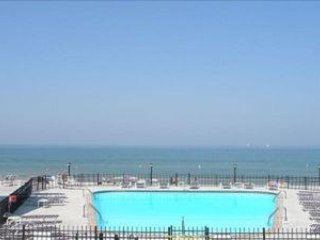 Lake Michigan's Premier 1BR Beachfront Lake facing Corner Condo-BOOK FALL VAC
