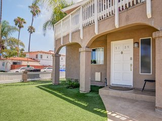 OB Loungin#2 - Dog-friendly Townhome with a balcony and nearby beach access!