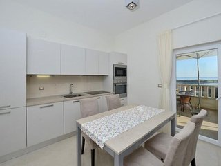 AM 069 Sharon Luxury apartmensts with pool  Novalja A4  2+2