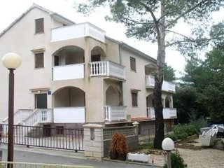 Apartments Pin Petrcane for 4 persons