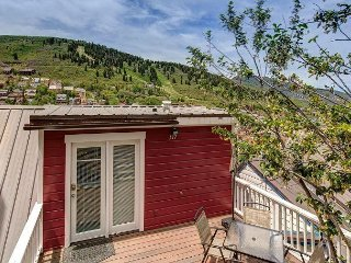 Sweet Renovated 1BR Miner's Cabin w/ Balcony – Walk to Main Street