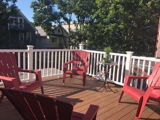 AWESOME & BIG House 4BR/1fullBath+ 2 free Parking
