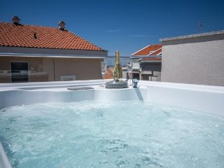 Villa Tina with jacuzzi for 6+2 person