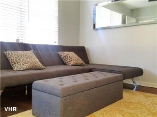 Mercer Villa A: 1 Bed 1 Bath Near the Airport!