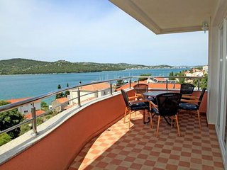 Lana Seaview Two-Bedroom Apartment in Tisno A4 (4+2)DS1308