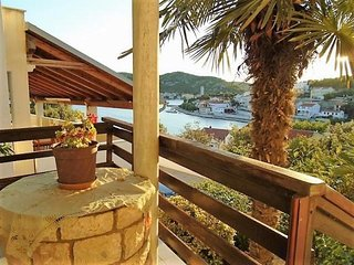 Anita Seafront Apartment in Tisno Two Bedrooms (4+4 Persons)