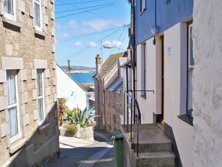 PORT COTTAGE,  traditional fisherman's cottage in the heart of Newlyn, Rayburn