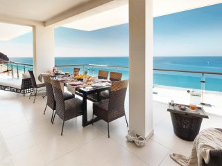 Cali Beach Luxury Apartment - Fully Catered Holidays