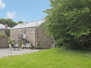TREVOOLE BARN barn conversion, in rural hamlet near Praze-an-Beeble, easy reach