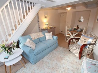 SEA DRIFTERS COTTAGE end of terrace, exposed beams, open fire, rural views just