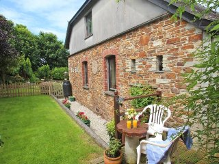 DUCK PUDDLE COTTAGE enclosed garden, wifi, close to beaches Ref 960000