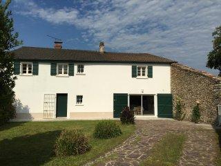 Maison Miqueou Gîte meublé entre Pays Basque, Béarn et campagne