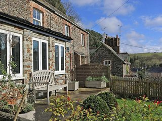 ROCK COTTAGE traditional stone cottage, sheltered courtyard, countryside views