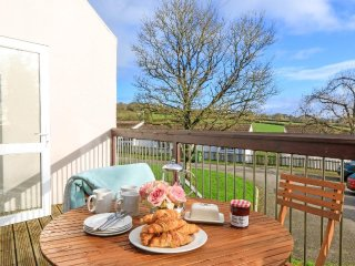 ST ANNES 24 villa, onsite pools and bar/restaurant, AOB, Whitsand Bay less than