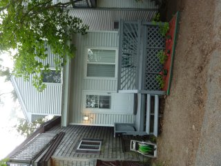 Modern 3 bedroom, 2 bath house, 1/4 mile to beach