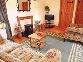 THE LOFT character barn conversion, shared garden, near beaches, in Portreath