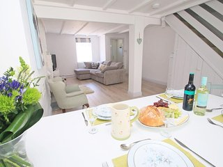 RIVERSDALE, Stylish Cornish Cottage close to the town centre and restaurants