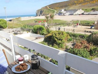 GECKO BEACH beachside apartment. Few minutes walk to the pub, shops and cafes