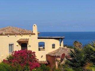 Panoramic Sea Views, Sun Terrace, 7 mins Walk to Beach