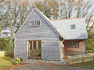 OAKLANDS two-storey lodge, riverside, near Boscastle, Ref xxxxxxx