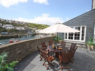 GLANVILLE HOUSE luxurious coastal retreat, spellbinding sea views pubs and