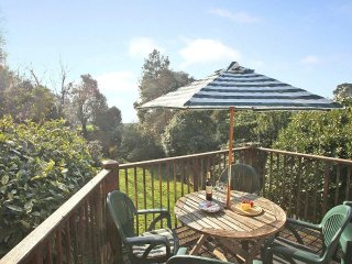 STABLE COTTAGE countryside setting, near the coast, enclosed garden in the