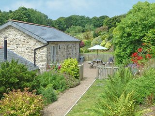 ROOSTERS beautiful barn conversion, private terrace, farmstead setting with